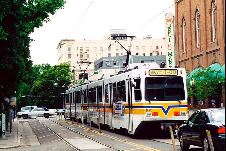 Advantages of Light Rail in Street Alignments | Rail Now