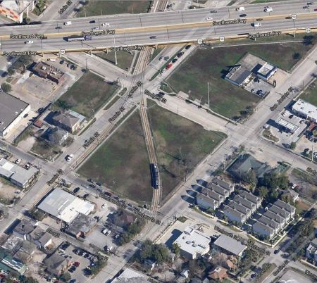 Aerial view of 2 tracks splitting into single tracks on Fannin and San Jacinto. Photo: Screen capture by L. Henry from Google Maps.