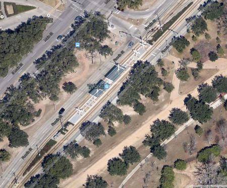 Aerial view of Hermann Park-Rice University station. Screen capture by L. Henry from Google Maps.