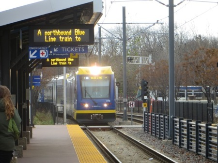 Blue Line train approaches station along Hiawatha Avenue alignment. Photo: L. Henry.