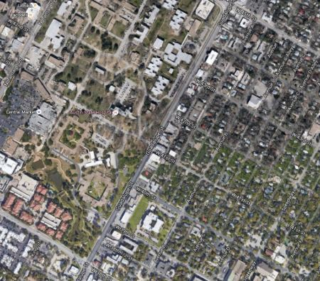 Aerial view of section of Guadalupe St. between 28th-45th St., showing MHMR bordering on west and established residential neighborhood on east side. Graphic: Google Earth. (Click to enlarge.)