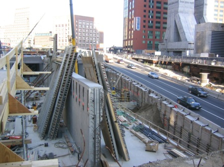 "Boston's ""Big Dig"" under construction past city's CBD. Project re-routed I-93 Central Artery into a central-city tunnel. Source: Imaginerpe.com."